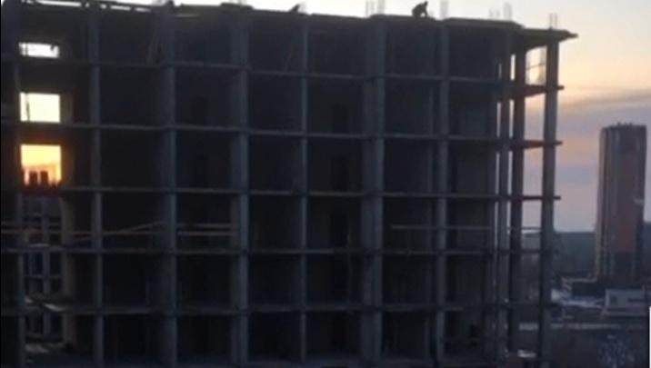 «Слов цензурных не осталось»: жителям улицы Бурейской звуки стройки заменили сигналы будильников