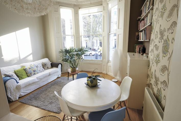 Эркер наполняет квартиру естественным светом