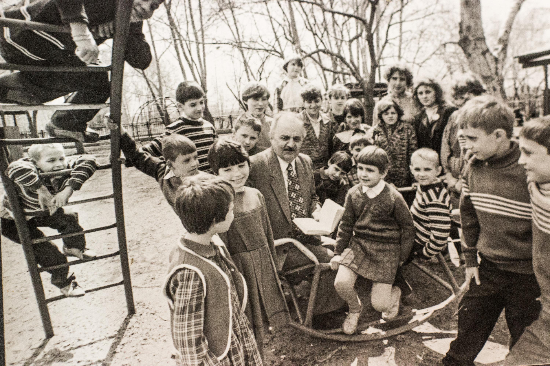 Юрий Магалиф на литературном чтении со школьниками