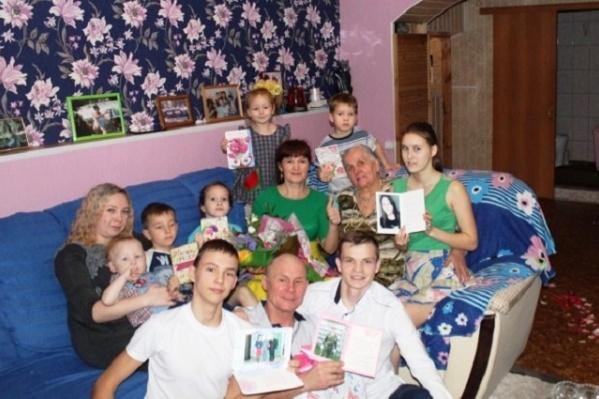 Дружная и большая семья Шайкуловых