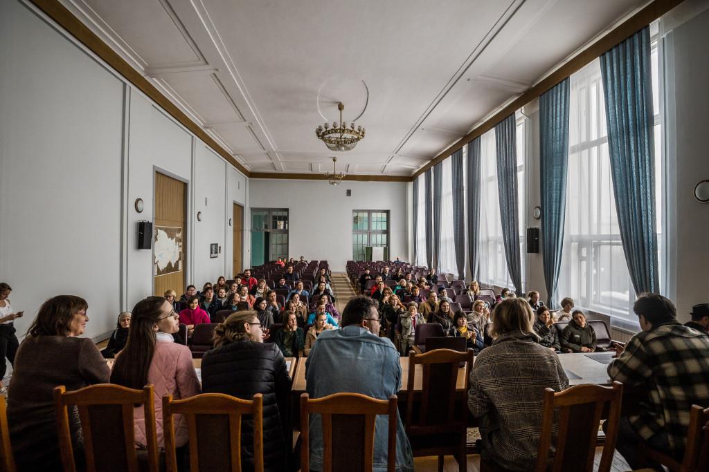 Участникам экскурсии предложили почувствовать себя в роли архитекторов, которые в 1931 году решали, каким будет здание областного правительства