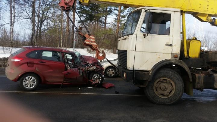 «Водитель уснул за рулём»: в Ярославском районе столкнулись автокран и кроссовер