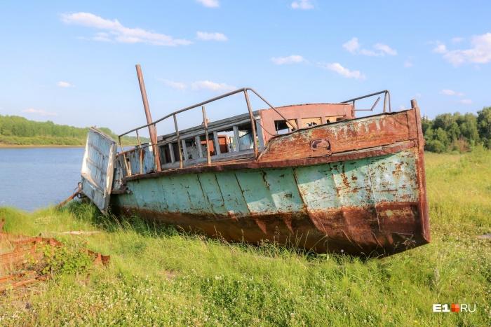 До дальних деревень Таборинского района добраться можно только по реке
