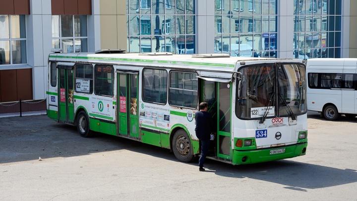 Стало известно, до какого числа будут в Омске ездить дачные автобусы