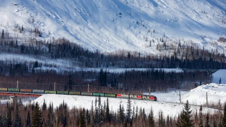 Семь вагонов с углём сошли с рельсов под Красноярском
