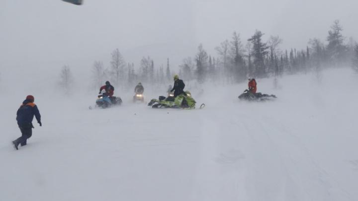Двое красноярцев потерялись в Приисковом на снегоходах и провели ночь в тайге