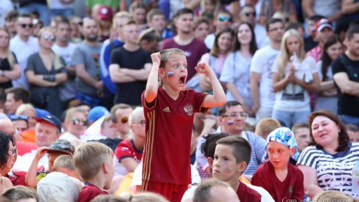Разденусь догола, почитаю Библию: изучаем обещания россиян на случай победы в матче с Хорватией
