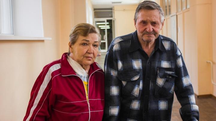 Сибирячка упала на фигурку петуха и потеряла 9 литров крови