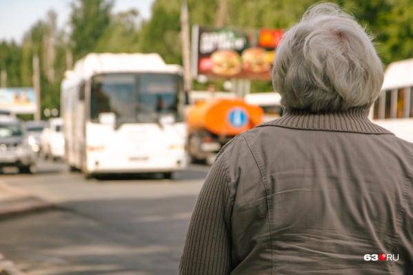 Пока автобусов в Самаре не так много, чтобы для них предусмотрели отдельную полосу движения