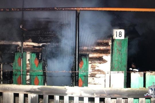 В пожаре, который устроил22-летний житель Башкирии, погиб хозяин дома. Его брат попал в больницу с ожогами