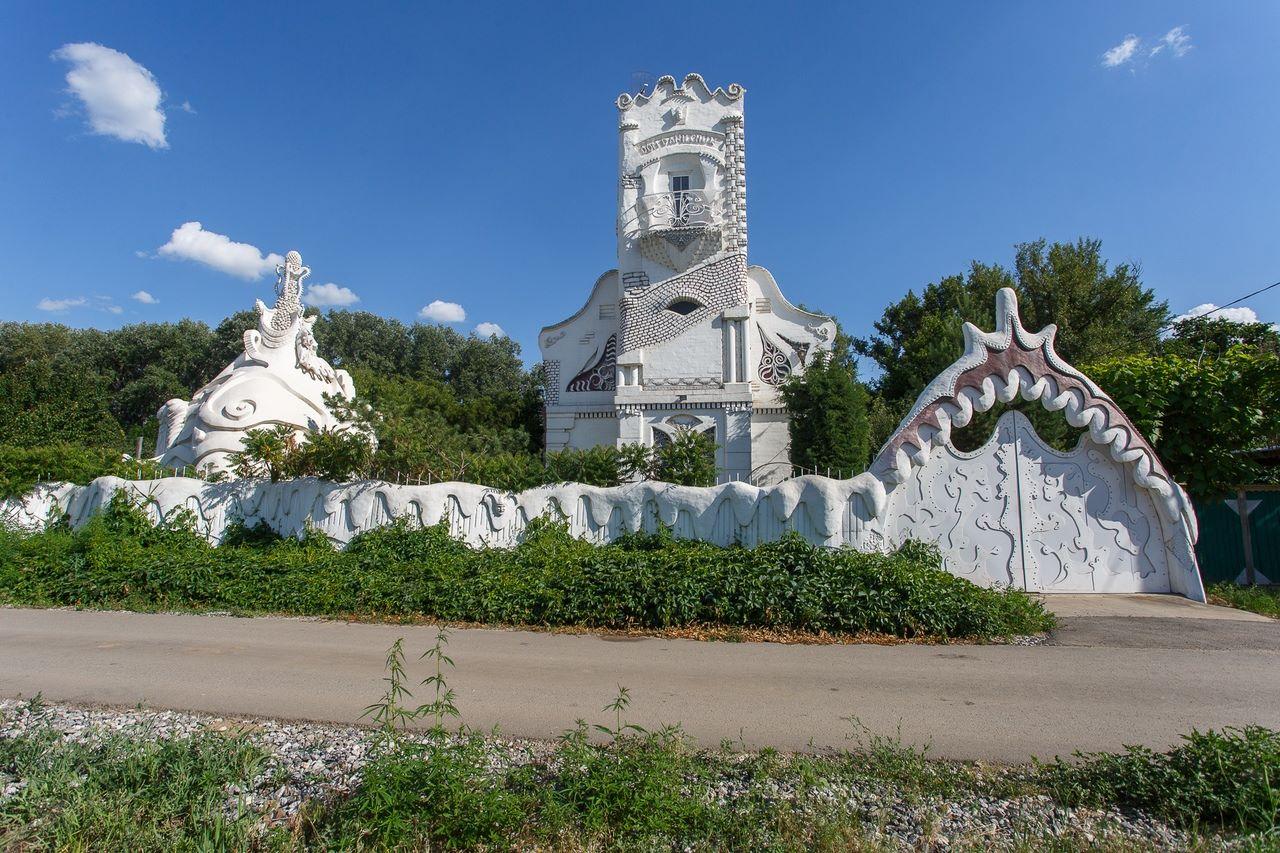 На этот дом создателя вдохновила архитектура Гауди