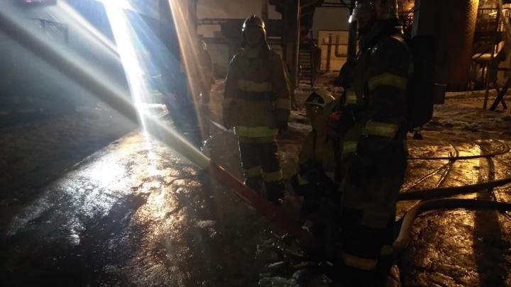 Пламя обожгло лицо:на Новокуйбышевском НПЗ произошел крупный пожар