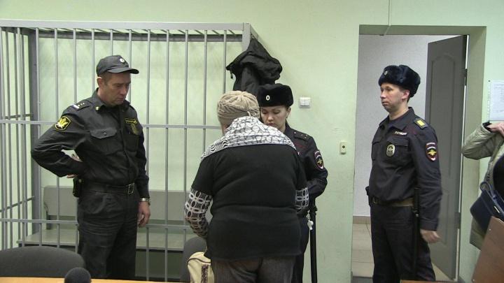 В Екатеринбурге осудили женщину, которая заняла у знакомых 27 миллионов рублей и не вернула