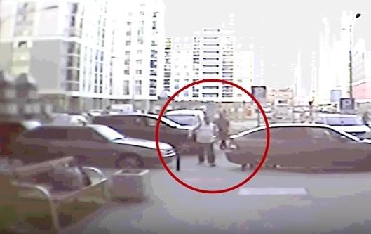 Жителю Академического сломали нос после того, как он сделал замечание водителю из-за парковки