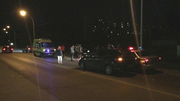 По словам очевидцев, автомобиль выезжал со двора