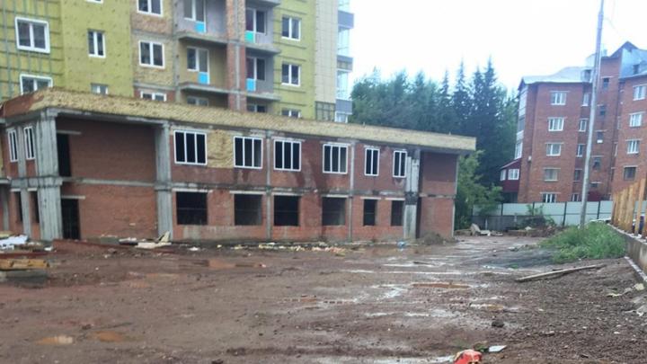 «Десятки семей с детьми живут в недостроенном доме»: дольщики Уфы написали Радию Хабирову жалобу