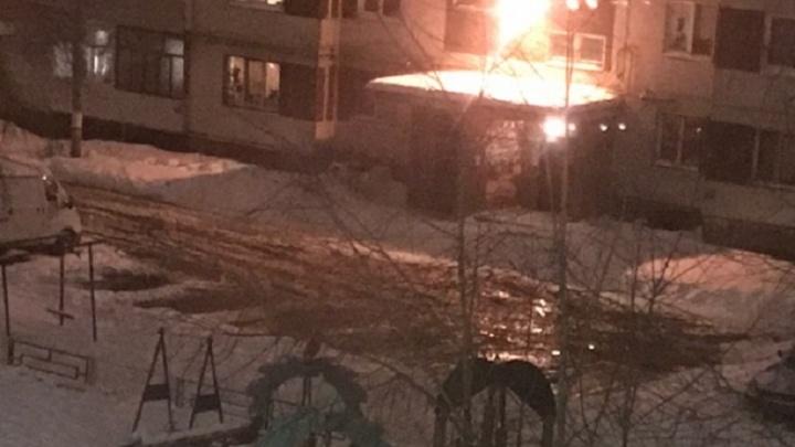 На Старой Сортировке из-за аварии на сетях «Водоканала» целый двор затопило водой