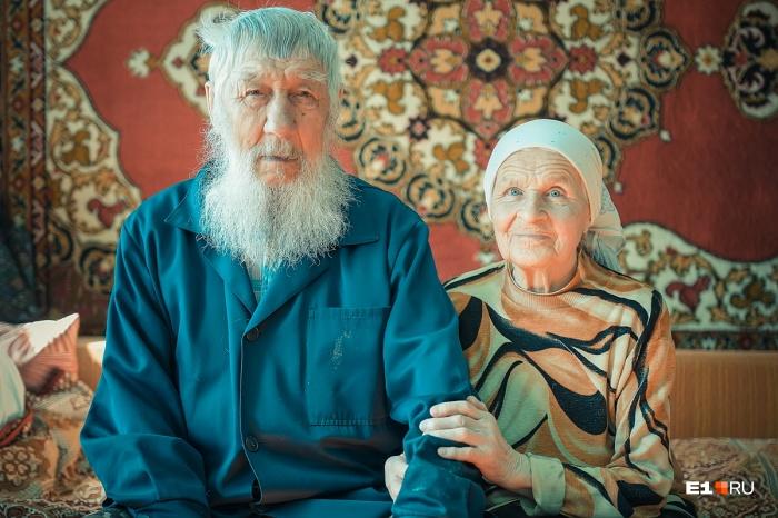 Нина Алексеевна с мужем Василием Васильевичем староверы, они доброжелательные и гостеприимные