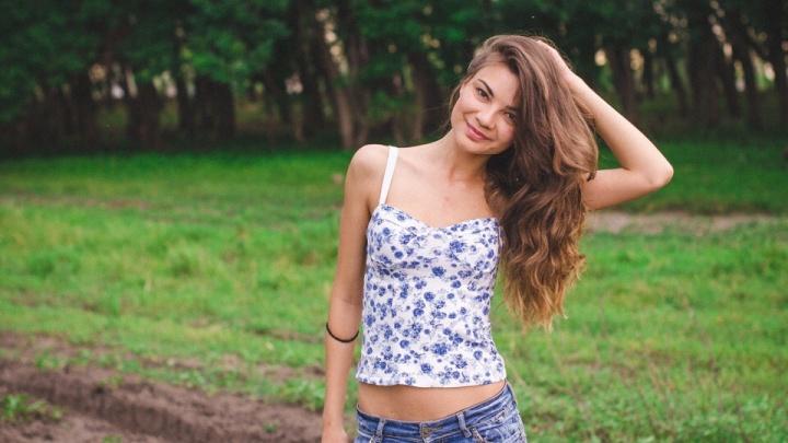 «Хотела взять и убежать»: красотки из Волгограда попали в полуфинал «Мисс офис-2018»