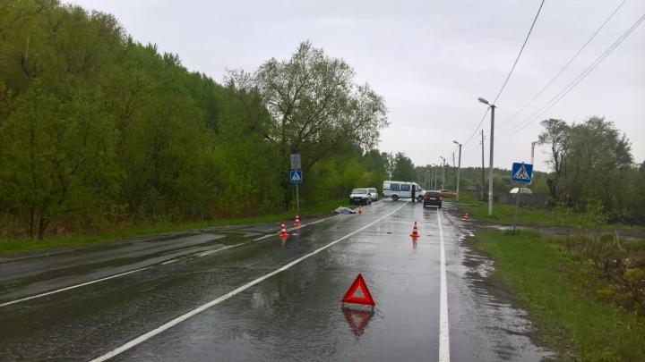 Смертельное ДТП в Ялуторовске: 79-летний пенсионер вышел из автобуса и попал под колеса иномарки
