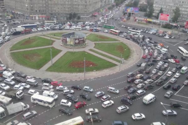 Новая схема движения в Новосибирске затронет площадь Калинина