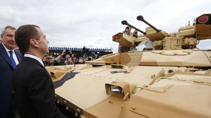 Эдуард Россель попросил главу Нижнего Тагила договориться с правительством о сохранении RAE на Урале