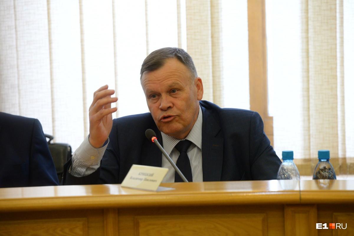 Депутат Владимир Крицкий считает, что своим предложением коммунисты зарабатывают политические очки
