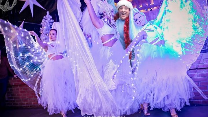 Популярный бар на левом и правом берегу устроит фантастическое шоу в новогоднюю ночь: билеты от 500 рублей
