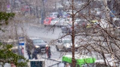 Над Тюменью завис циклон, принесший в наш регион снег и град. Когда потеплеет?