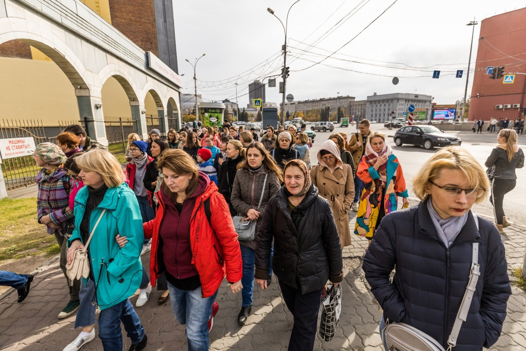 На экскурсию по административным зданиям архитектора Крячкова пришли больше 100 человек