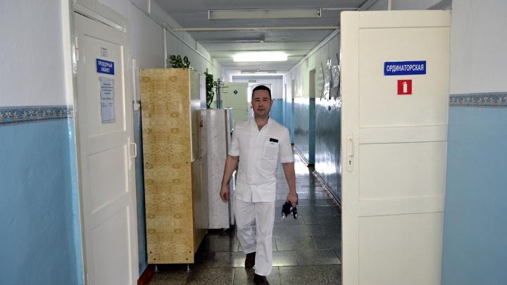 Молодой терапевт из Омска, уехавший в село:«Ты работаешь с самым ценным — с жизнью пациента»