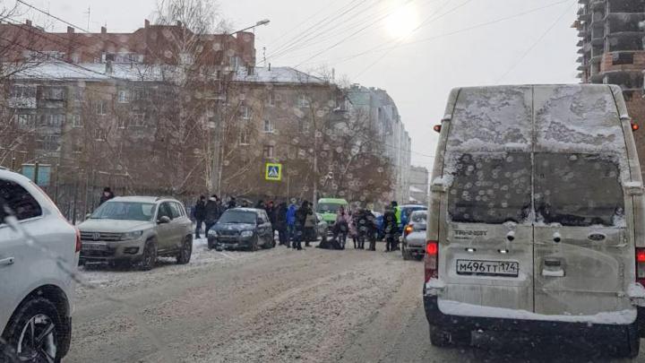 «Помешала снежная каша»: челябинец, сбивший подростков возле техникума, объяснил причину аварии