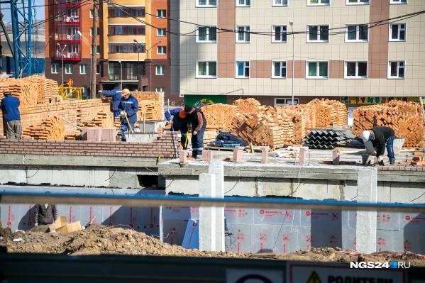 Строители возглавляют топ в Красноярске