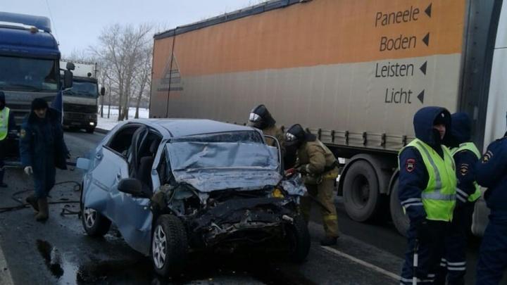 На трассе М-7 в Башкирии «Шевроле» залетел под «Сканию»: есть погибшие