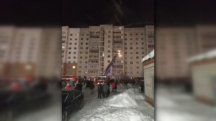 В МЧС рассказали подробности пожара в доме на Грибоедова