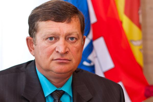 Азату Зарипову 50 лет, у него трое детей
