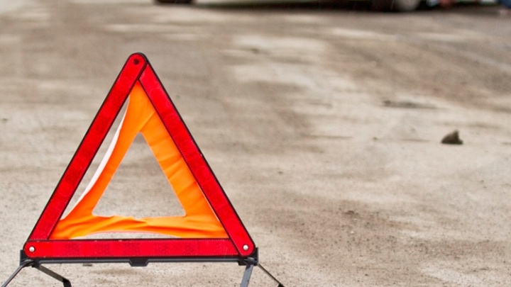 Омичка за рулем «ГАЗели» сбила женщину с ребёнком