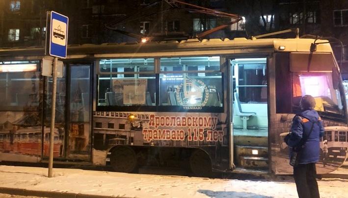 В Ярославле загорелся трамвай с пассажирами: транспортники выяснили, что случилось с вагоном