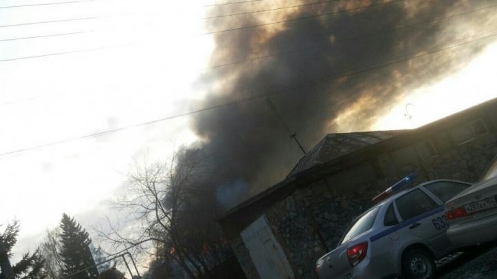 Мужчина погиб в пожаре в частном доме на Первомайке
