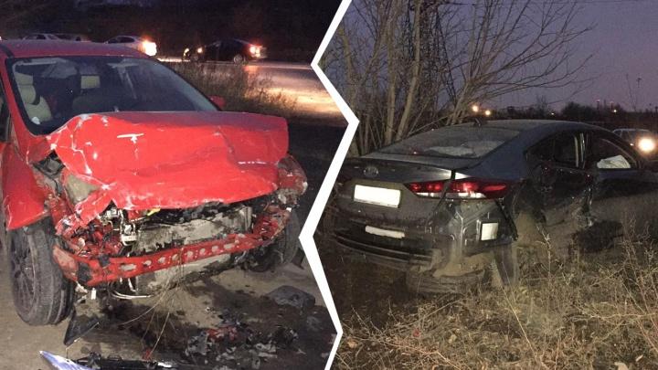 Две иномарки выбросило с дороги после ДТП на Ракитовском шоссе — КарлаМаркса