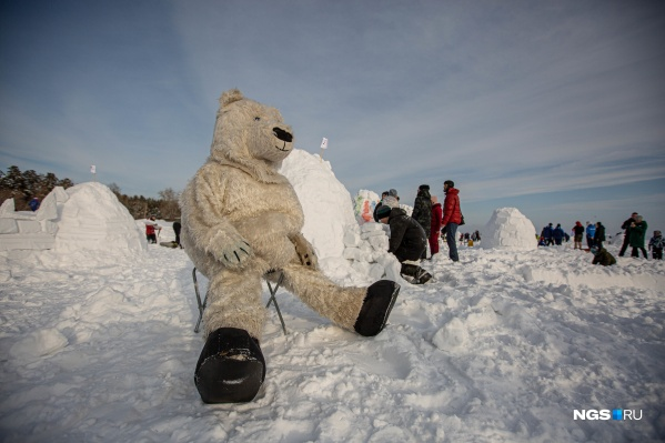 Один из призов фестиваля получит обладатель лучшего северного костюма — тут у белого медведя немало шансов