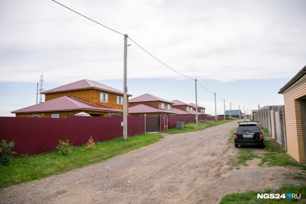 Эти дома в Сухой Балке по решению суда должны быть снесены