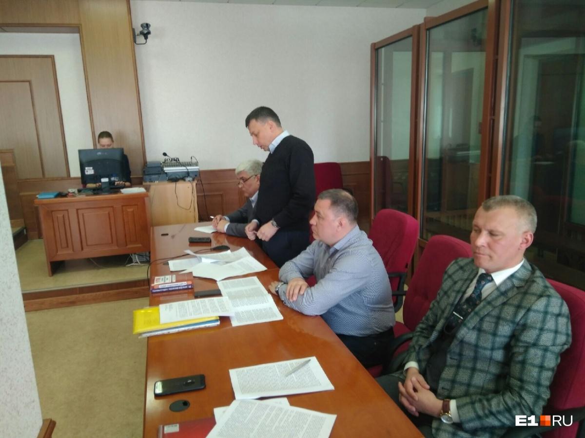 Интересы подсудимых представляют четыре адвоката
