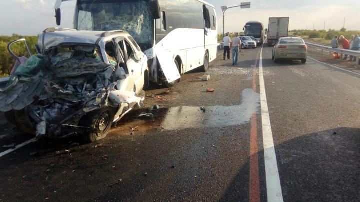В ДТП с автобусом под Волгоградом погибли жители Пермского края