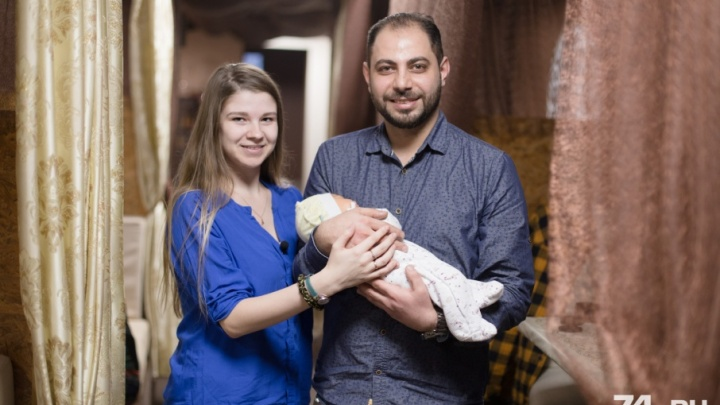 «Жениться второй раз дорого»: студент из Иордании встретил любовь в Челябинске и назвал кафе в честь дочери
