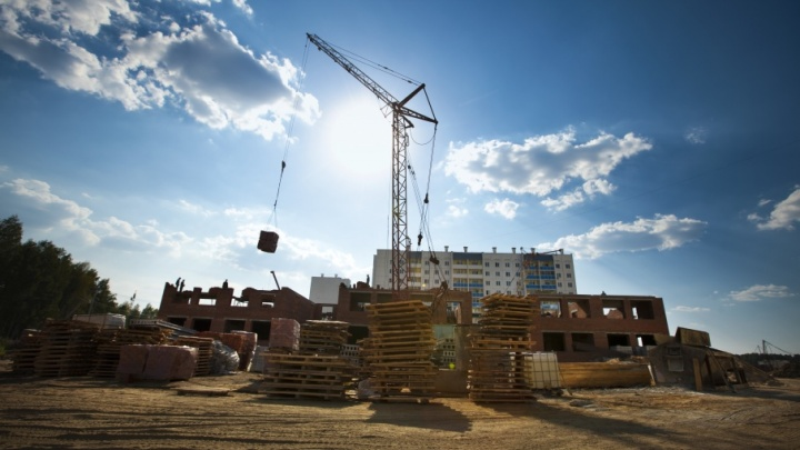 Жить стали лучше, а негде: в Курганской области за лето вырос спрос на ипотечные кредиты