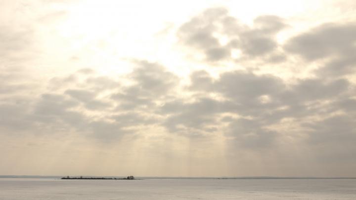 Теплоход с 192 иностранными туристами сел на мель в Рыбинском водохранилище
