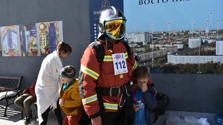 «Прикрепил камеру к каске»: пожарный, покоривший «Высоцкий», оказался видеоблогером