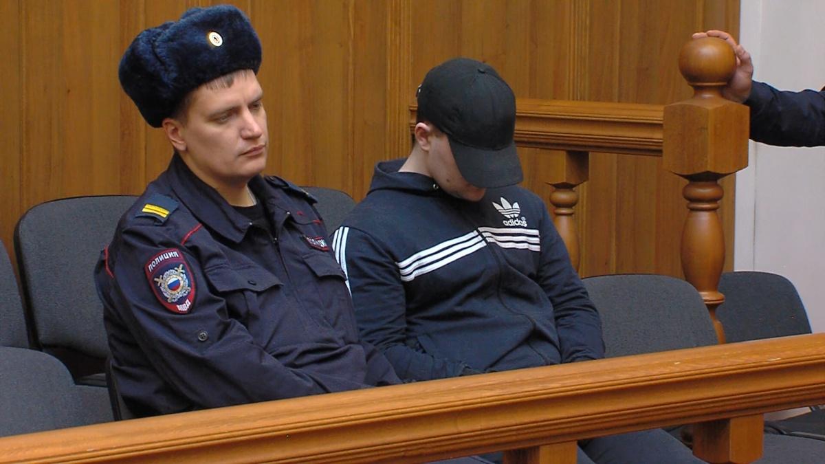 Один из подсудимых на момент совершения преступления был не совершеннолетним...