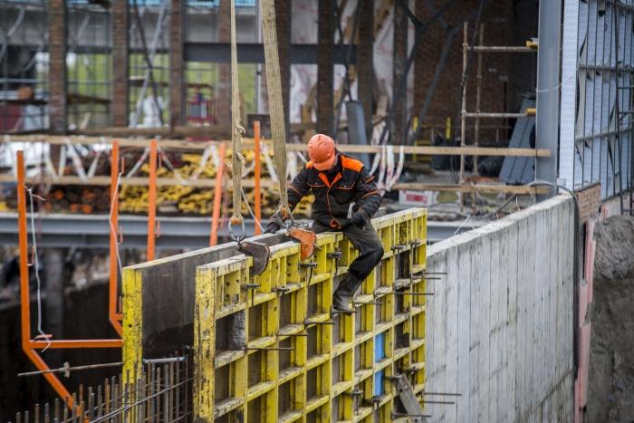 Новосибирские строители сбавили темпы